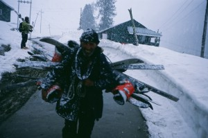 A local porter providing his clients with that classic Kashmiri service..     Photo: Ptor Spricenieks, skiherenow@yahoo.com