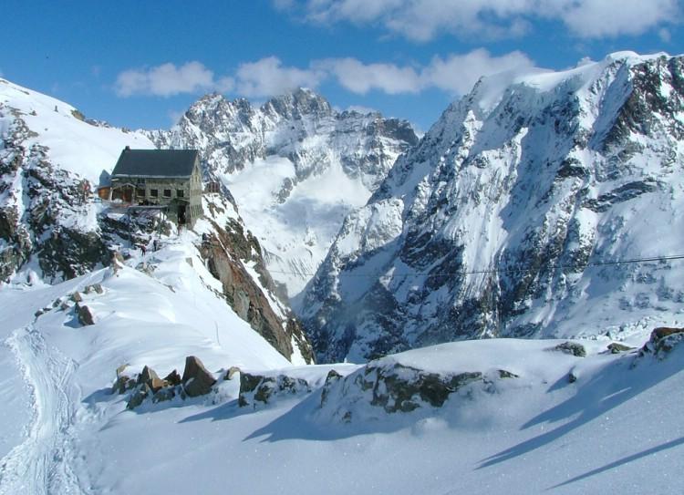 Mountain guide travel images from haute route ski tour for Haute route chamonix zermatt